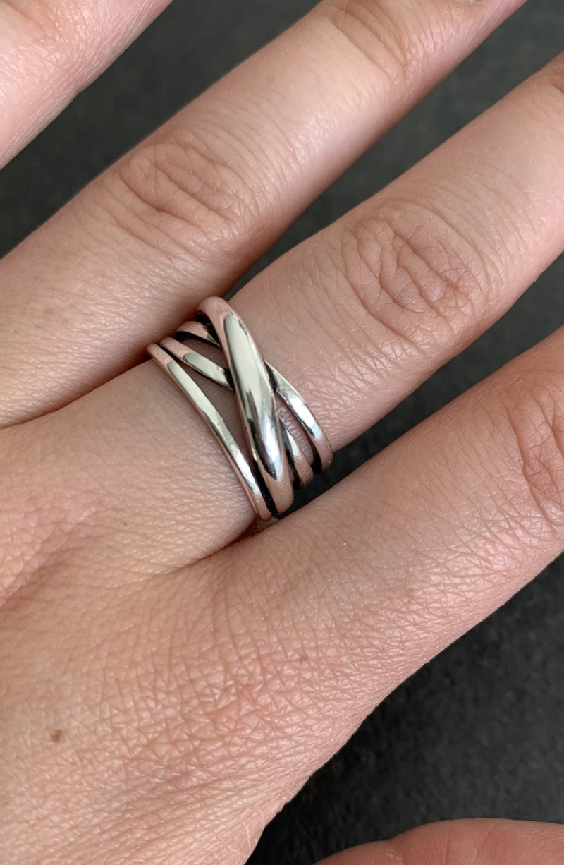 reguliuojamo dydžio sidabrinis žiedas