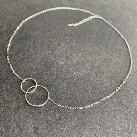 minimalistinis sidabrinis vėrinys