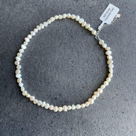 perlų chokeris